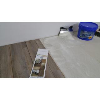FUNKČNÍ - pokud se plovoucí podlaha celoplošně přilepí